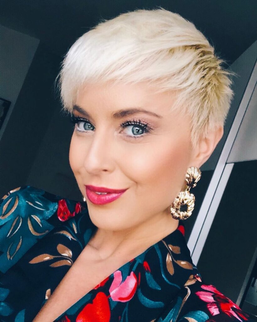 pixie cut blonde hairstyle