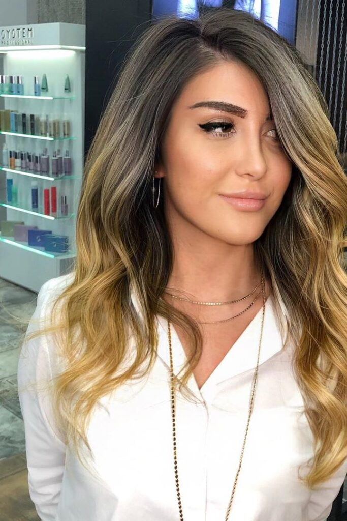 long wavy blonde ombre hairstyle