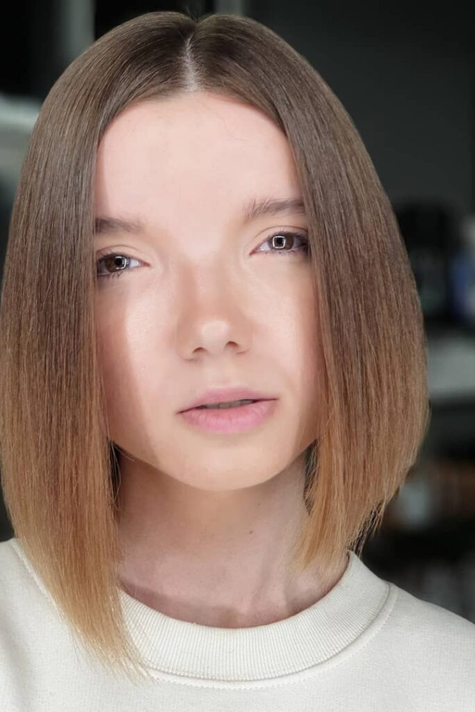 short light brown straight hairstyle