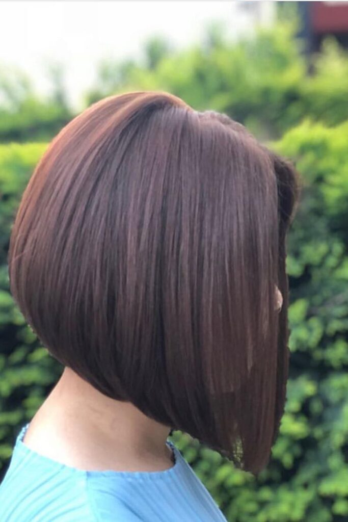 chin-lenght thick hairstyle