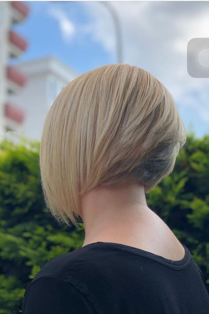jaw lenght layered bob hairstyle