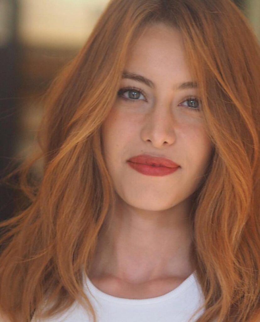 medium lenght red wavy hairstyle
