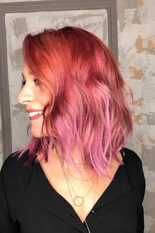 medium lenght red pink hairstyle