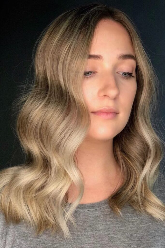 blonde medium hairstyle