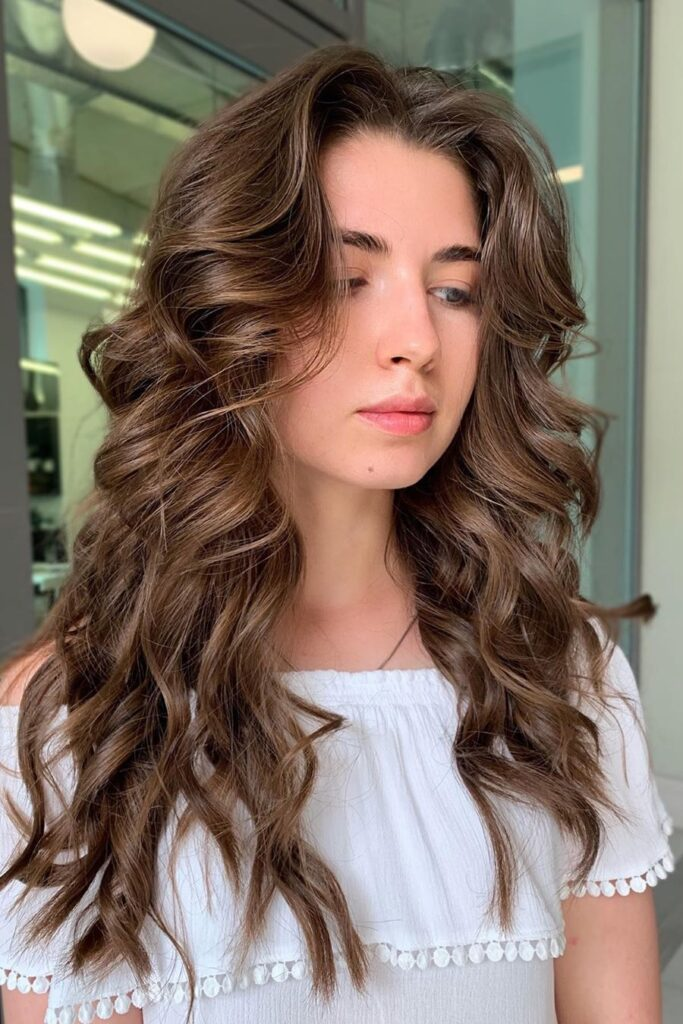 brown wavy hairstyle