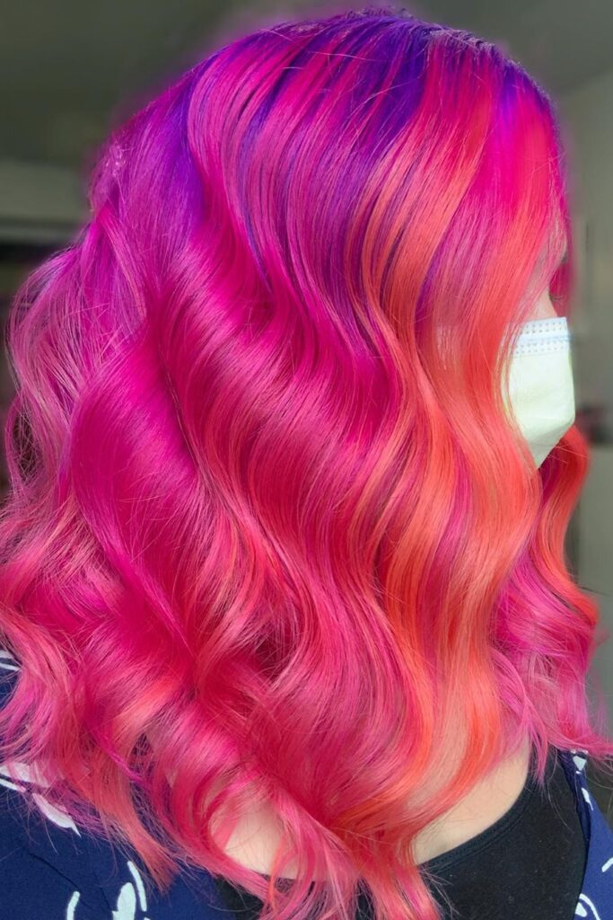 pink red wavy hairstyle