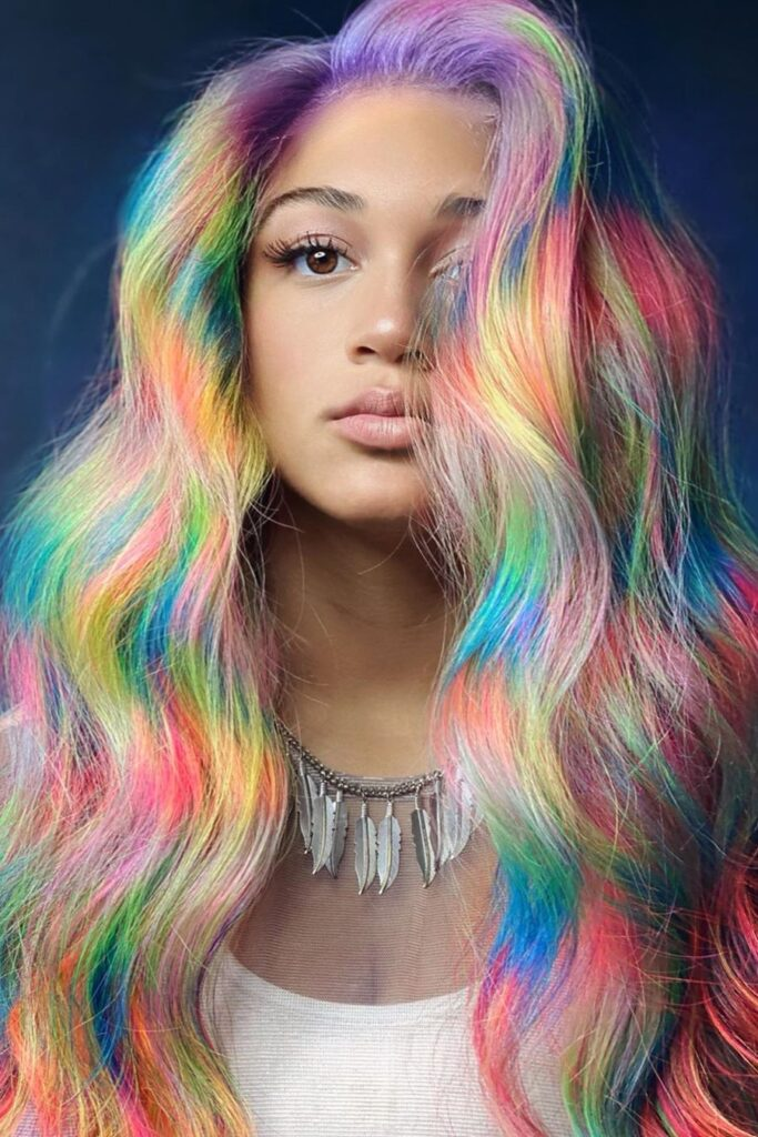 colorful wavy thin hairstyle