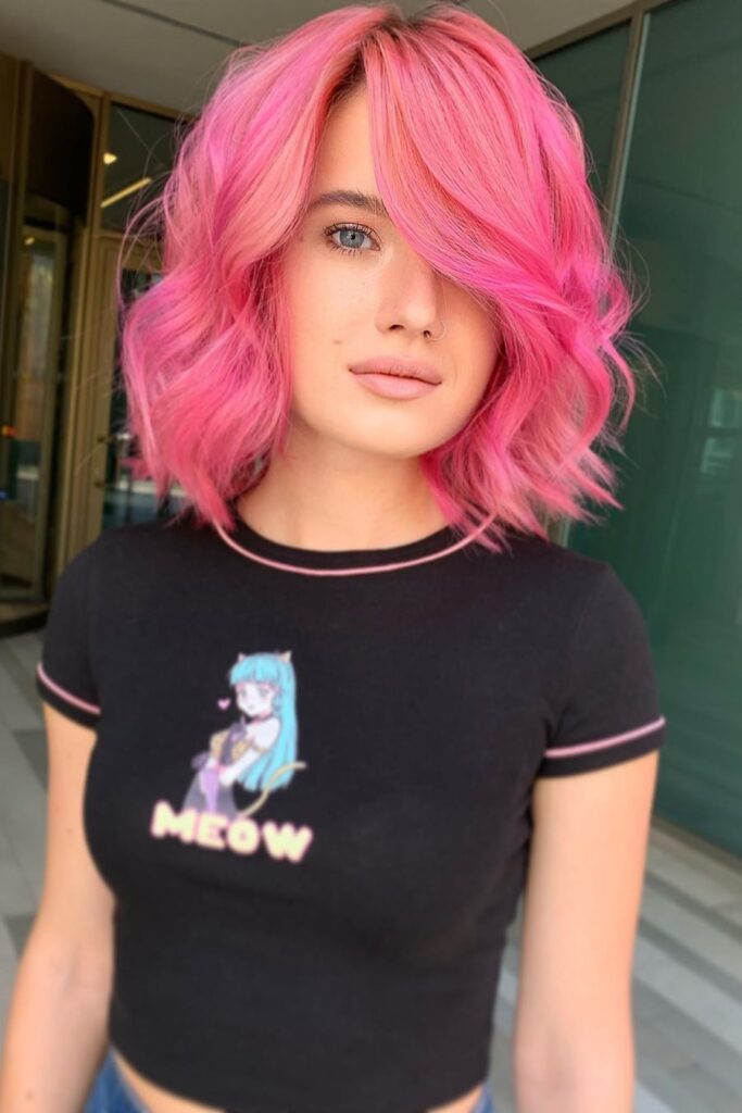 medium lenght pink wavy hairstyle