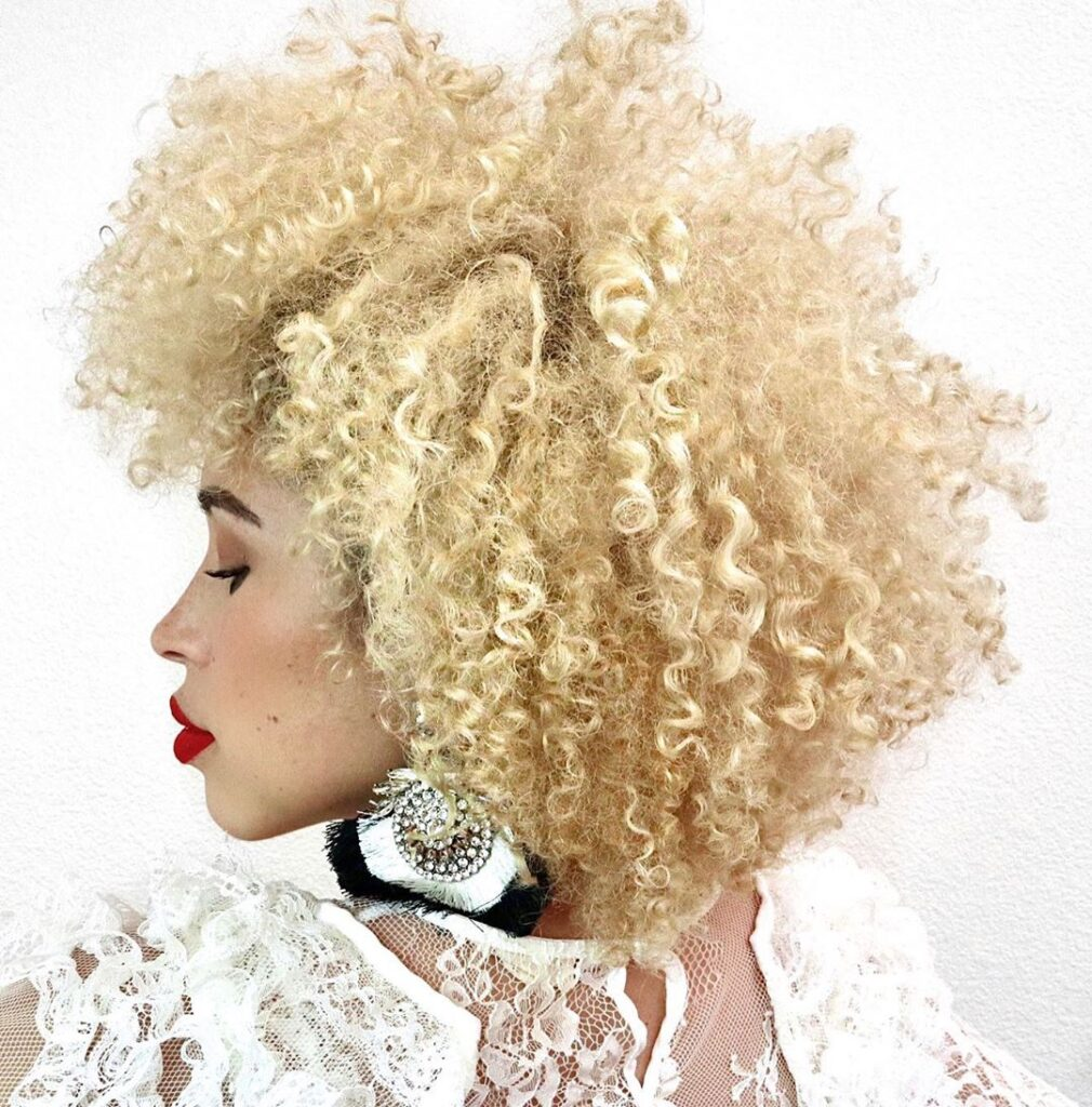 curly messy blonde hairstyle