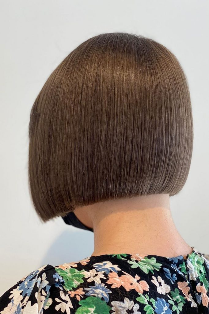 chin-lenght brown hairstyle