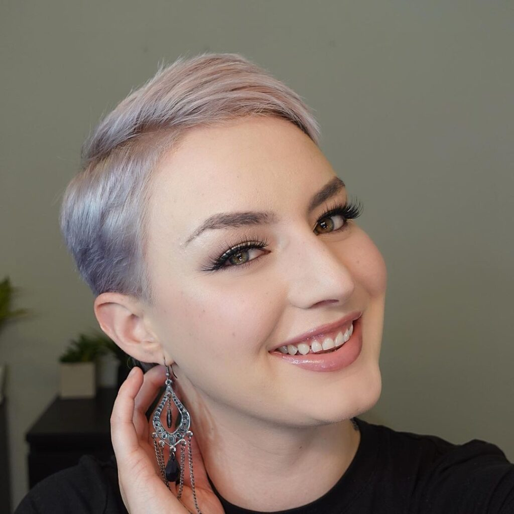 Cute Side Pixie Cut for Round Faces