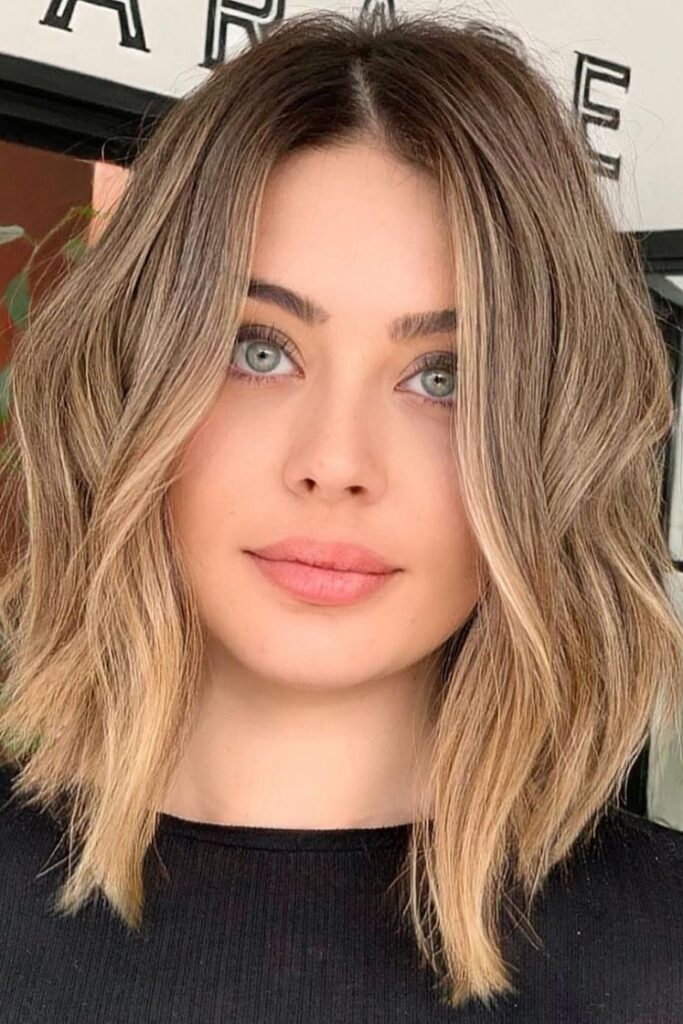 medium hair blonde ombre hairstyle